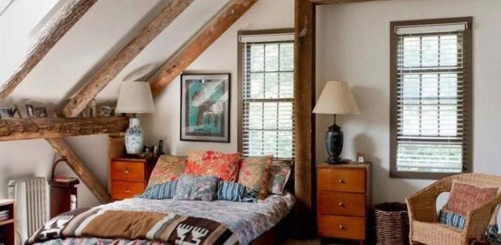 Спальня в стилі кантрі (70 фото): вибір штор та меблів для інтер'єру, шпалер і предметів декору, дизайн маленьких і великих спалень